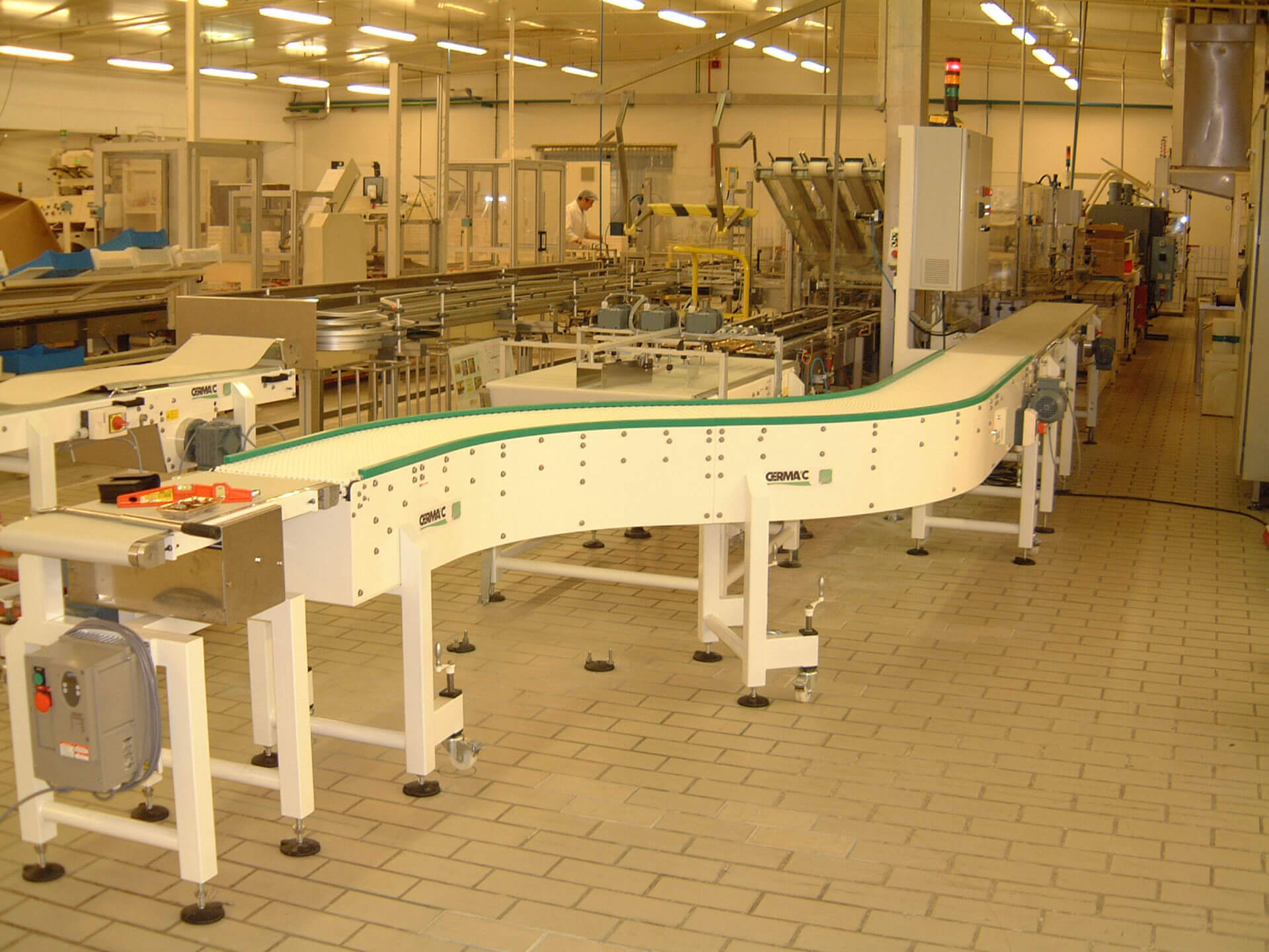 Mobile chain plate conveyors