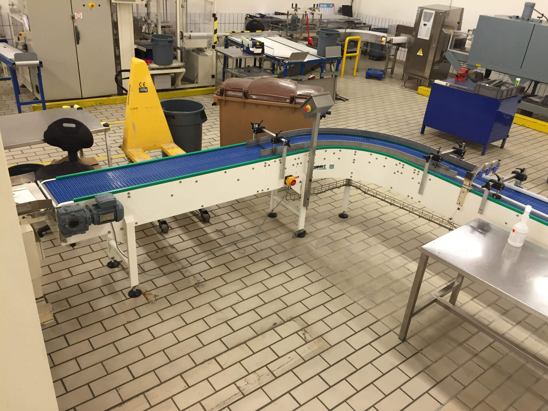 Special chain plate conveyors