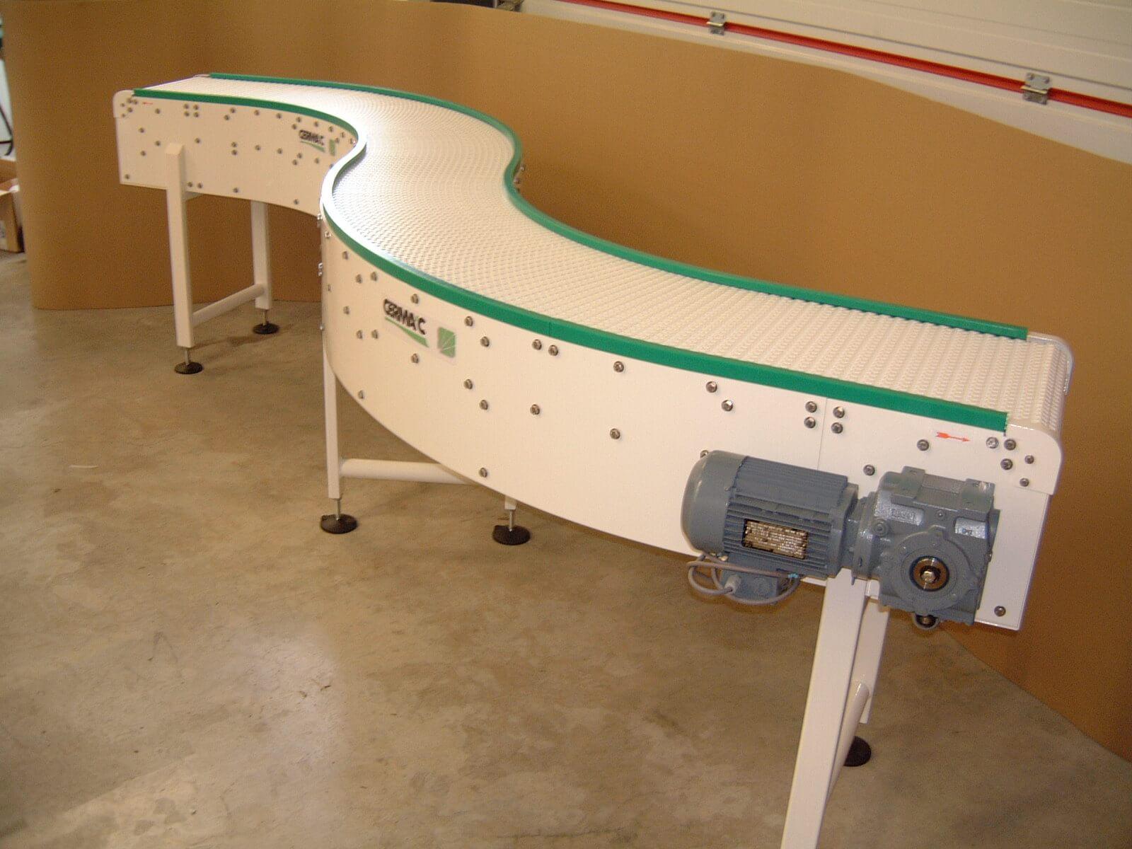 Modular chain plate conveyors